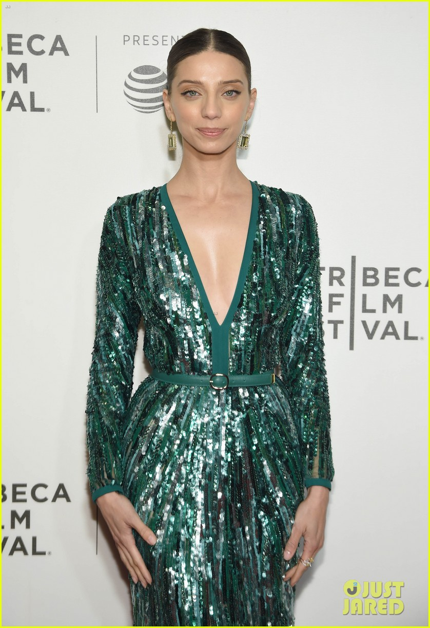 zac efron lily collins extremely wicked tribeca premiere 22