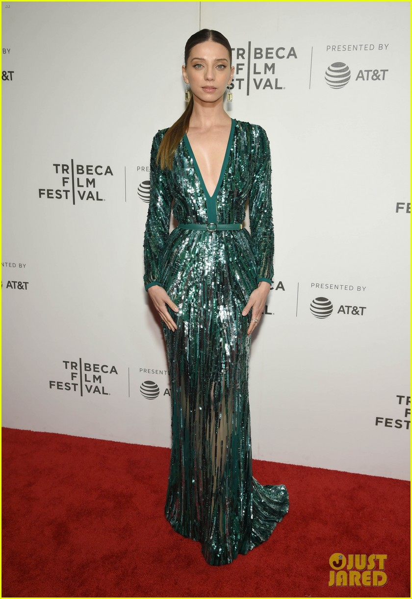 zac efron lily collins extremely wicked tribeca premiere 23