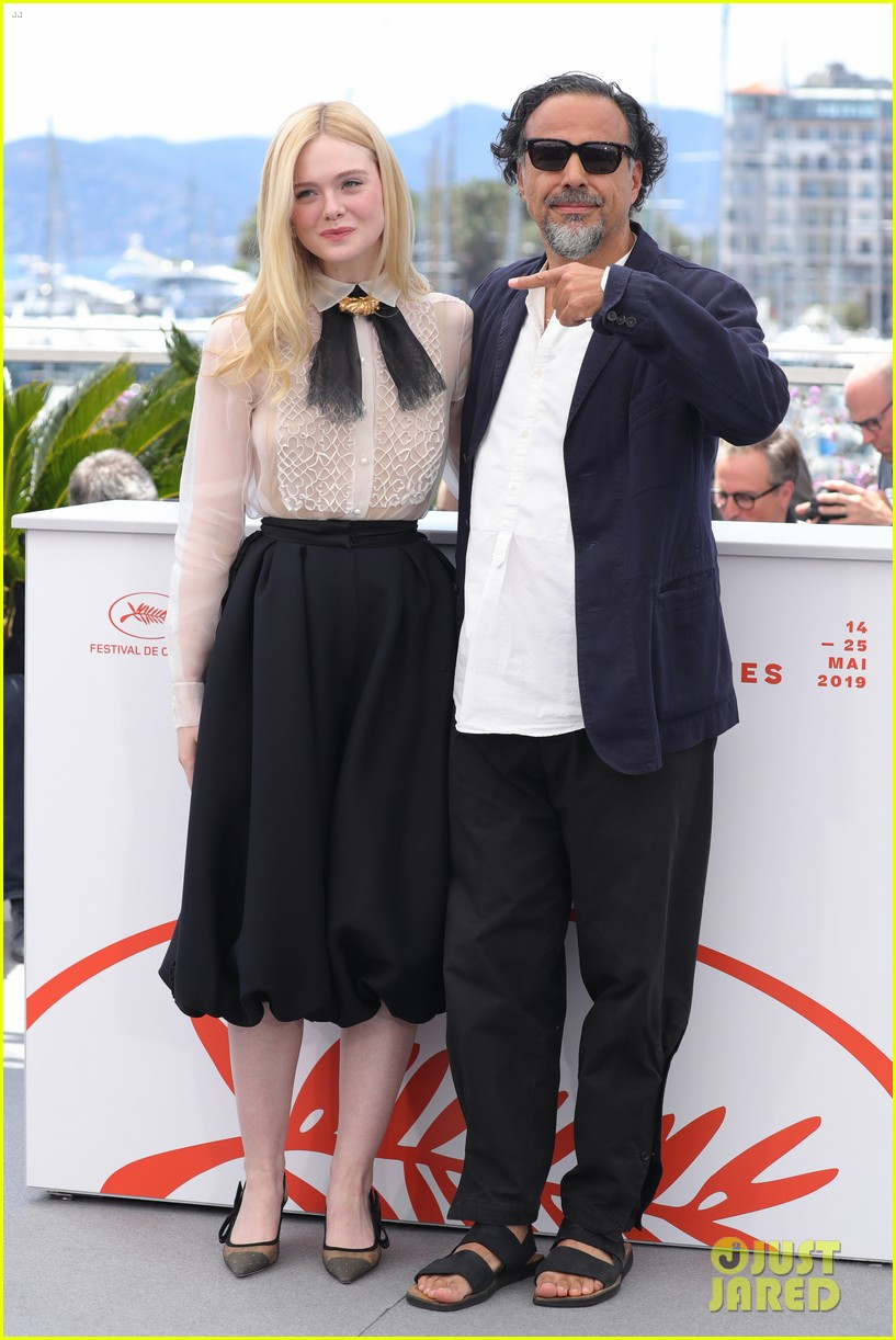 elle fanning cannes film fest jury photocall  04