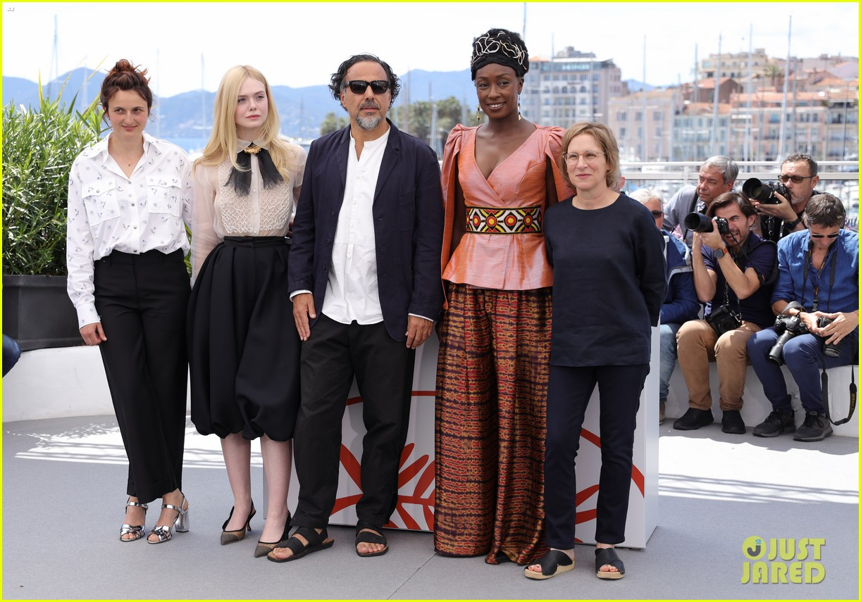 elle fanning cannes film fest jury photocall  13