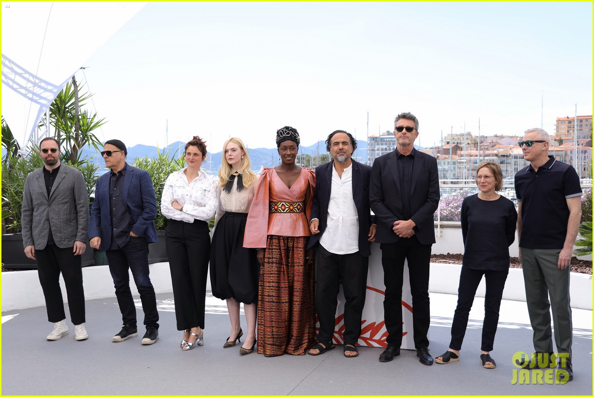 elle fanning cannes film fest jury photocall  15