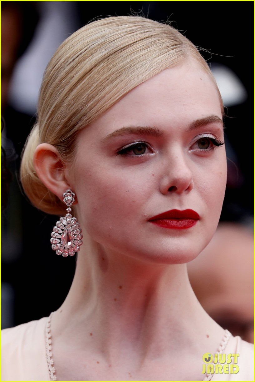 elle fanning cannes opening ceremony gucci gown 034291127