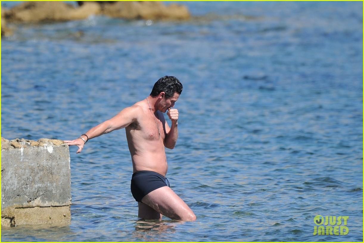 luke evans shirtless ibiza 14