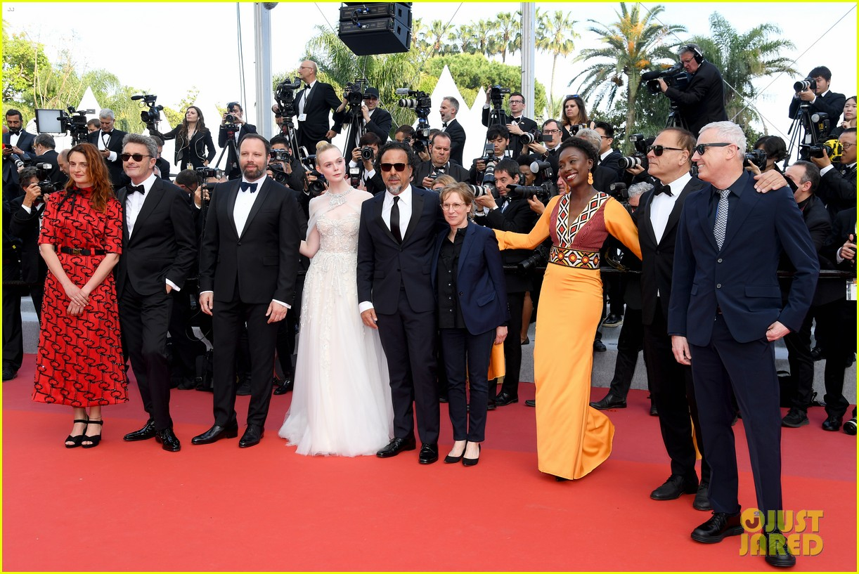 elle fanning cannes film festival closing ceremony 08
