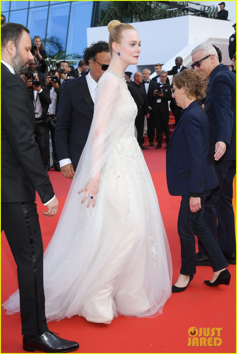 elle fanning cannes film festival closing ceremony 19