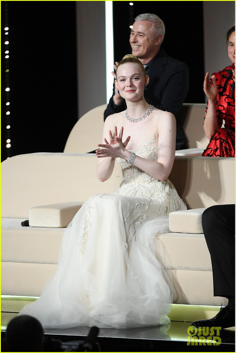 elle fanning cannes film festival closing ceremony 22