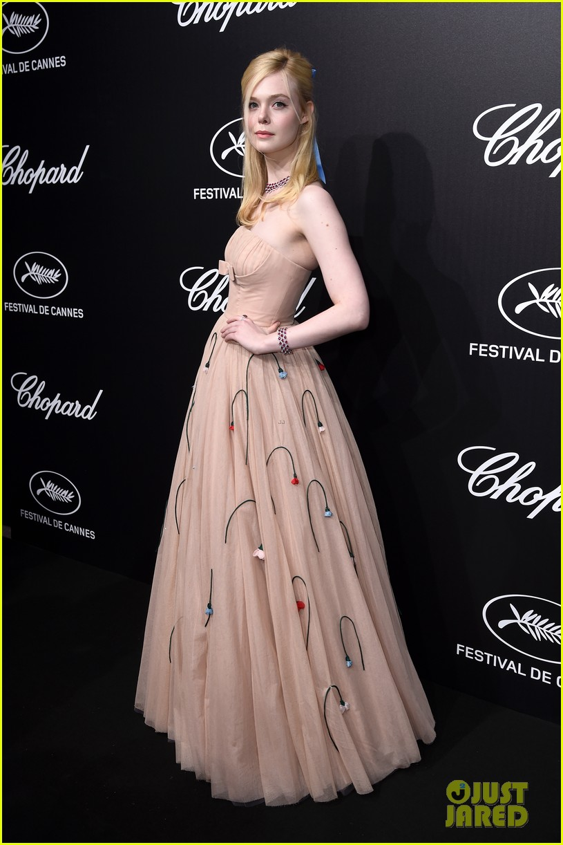dakota elle fanning cannes trophee dinner 024295247