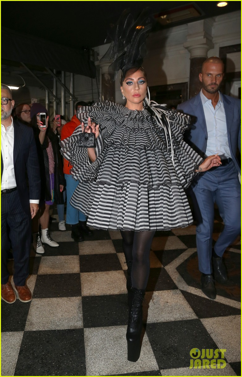 lady gaga wows for anna wintour pre met gala dinner 12