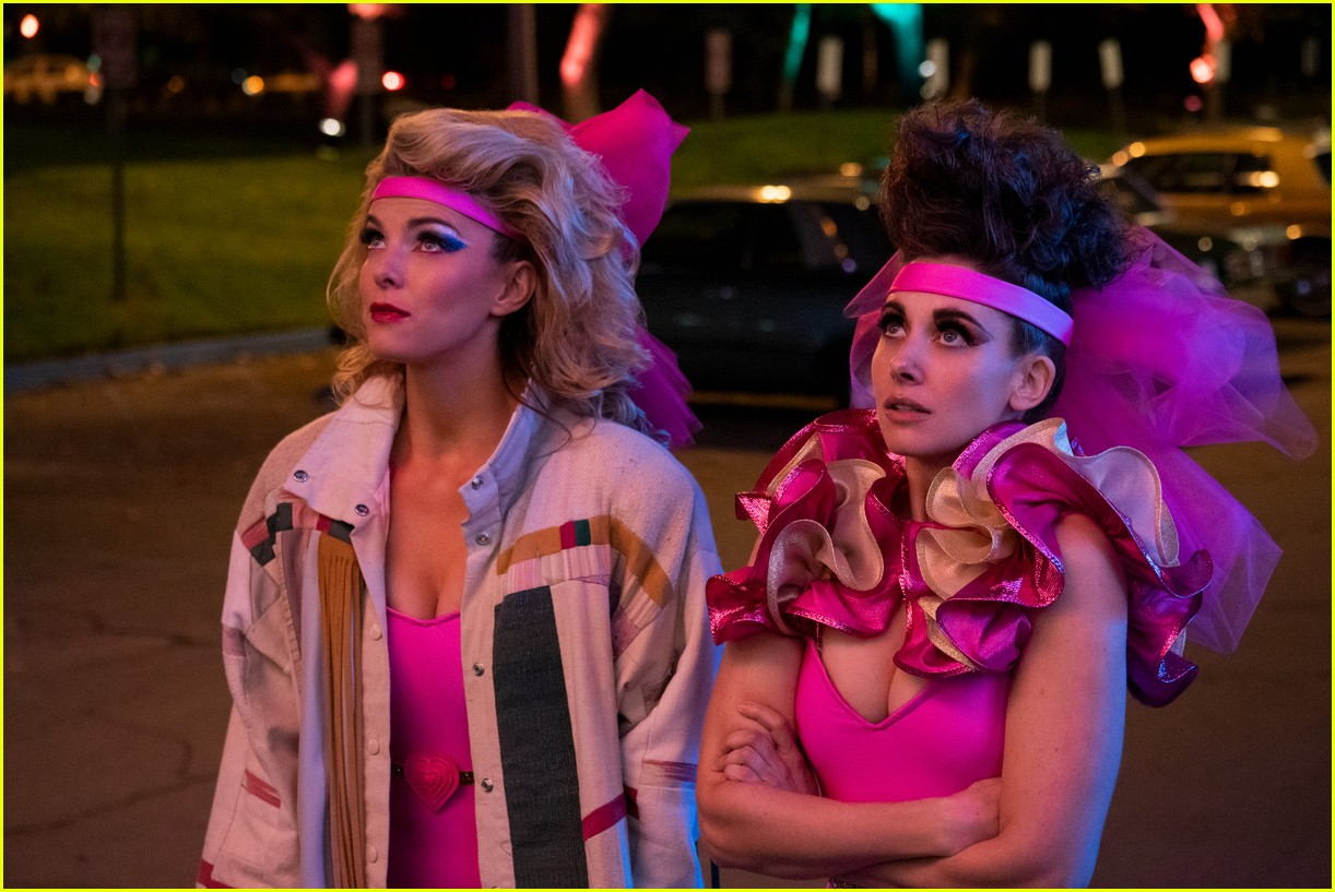 glow season 3 gets premiere date and first look photos 024301372