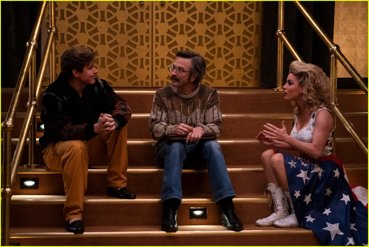 glow season 3 gets premiere date and first look photos 034301373