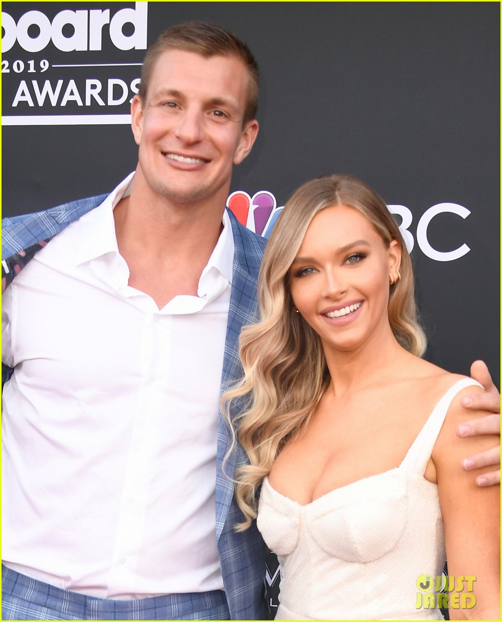Camille Kostek Ex Boyfriends: NFL Star Rob Gronkowski Attends BBMAs 2019 With Girlfriend