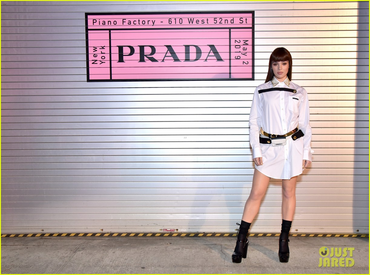 shailene woodley hailee steinfeld elle fanning attend prada resort 2020 fashion show 024282527