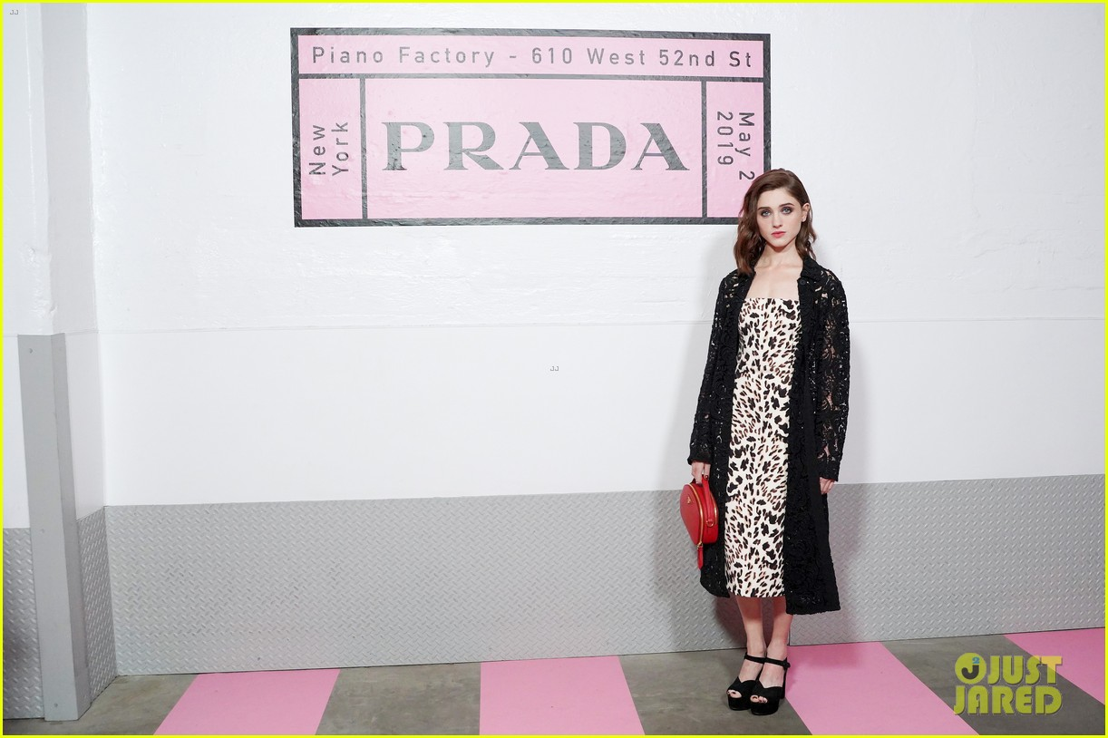 shailene woodley hailee steinfeld elle fanning attend prada resort 2020 fashion show 094282534