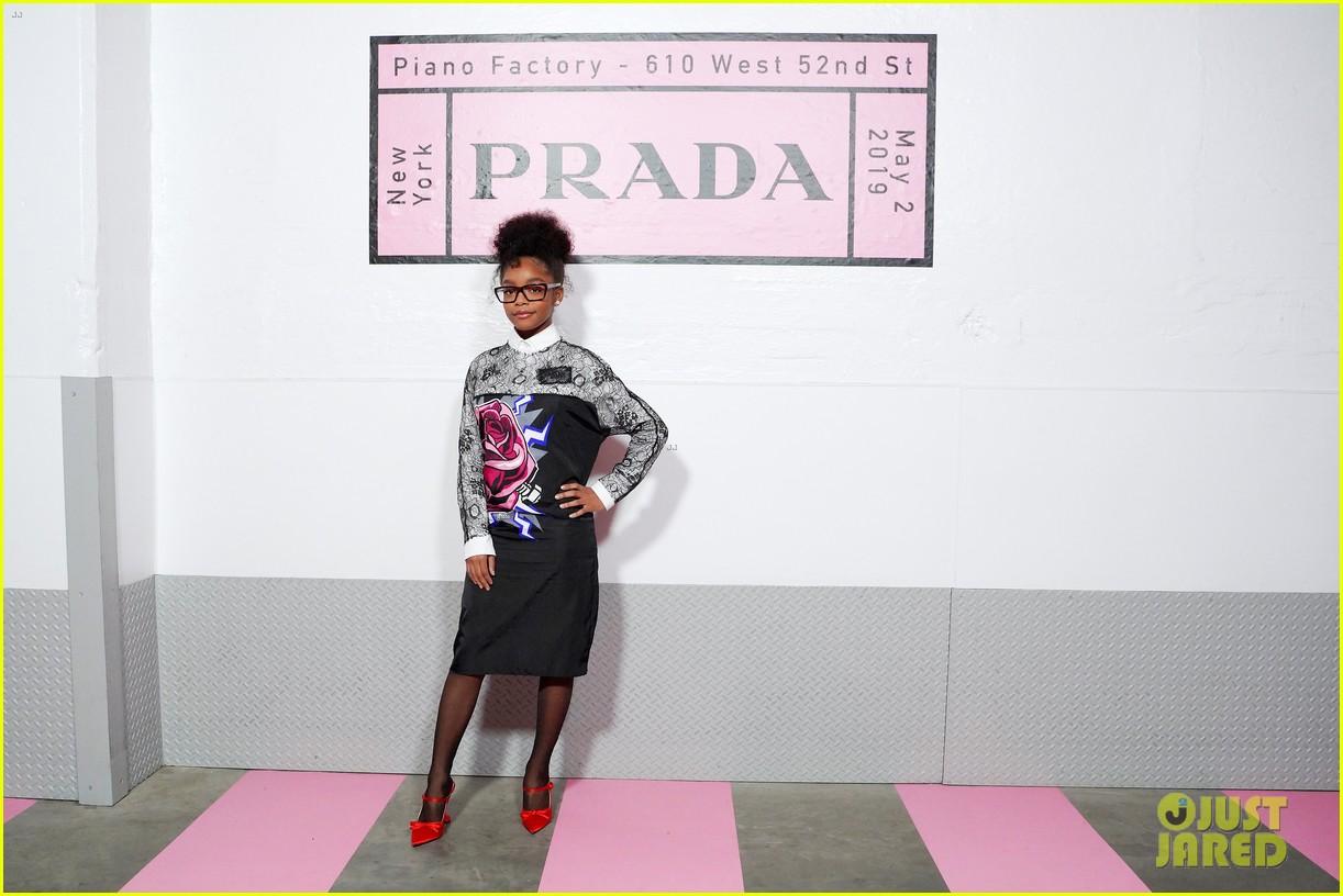 shailene woodley hailee steinfeld elle fanning attend prada resort 2020 fashion show 114282536