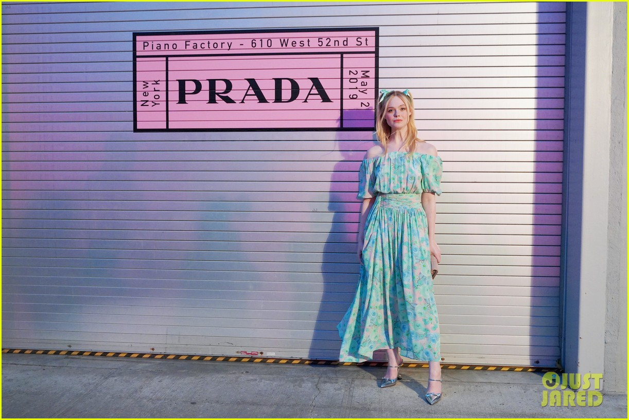 shailene woodley hailee steinfeld elle fanning attend prada resort 2020 fashion show 144282539