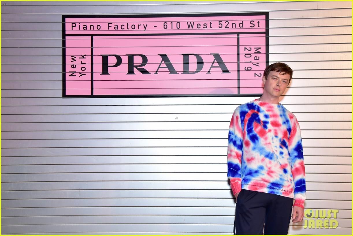 shailene woodley hailee steinfeld elle fanning attend prada resort 2020 fashion show 174282542