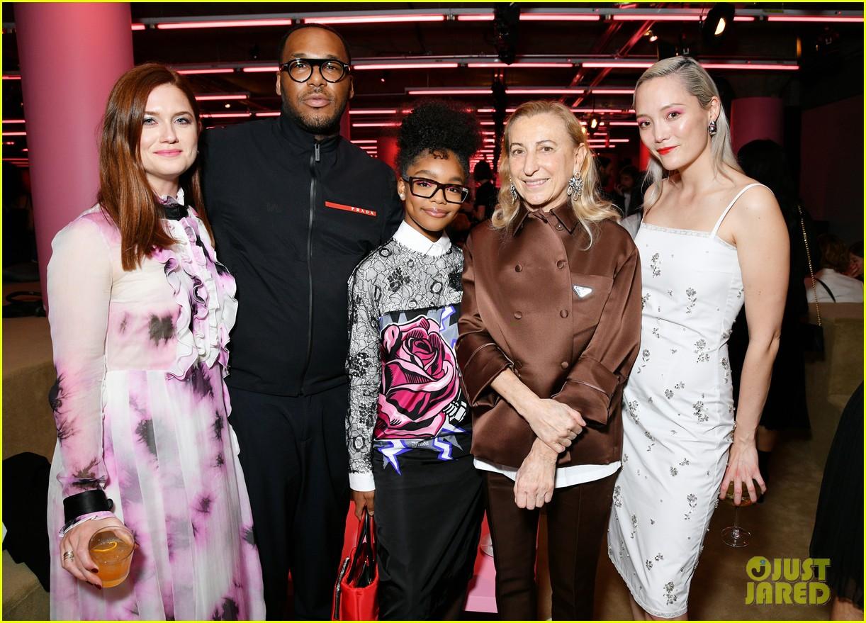 shailene woodley hailee steinfeld elle fanning attend prada resort 2020 fashion show 214282546
