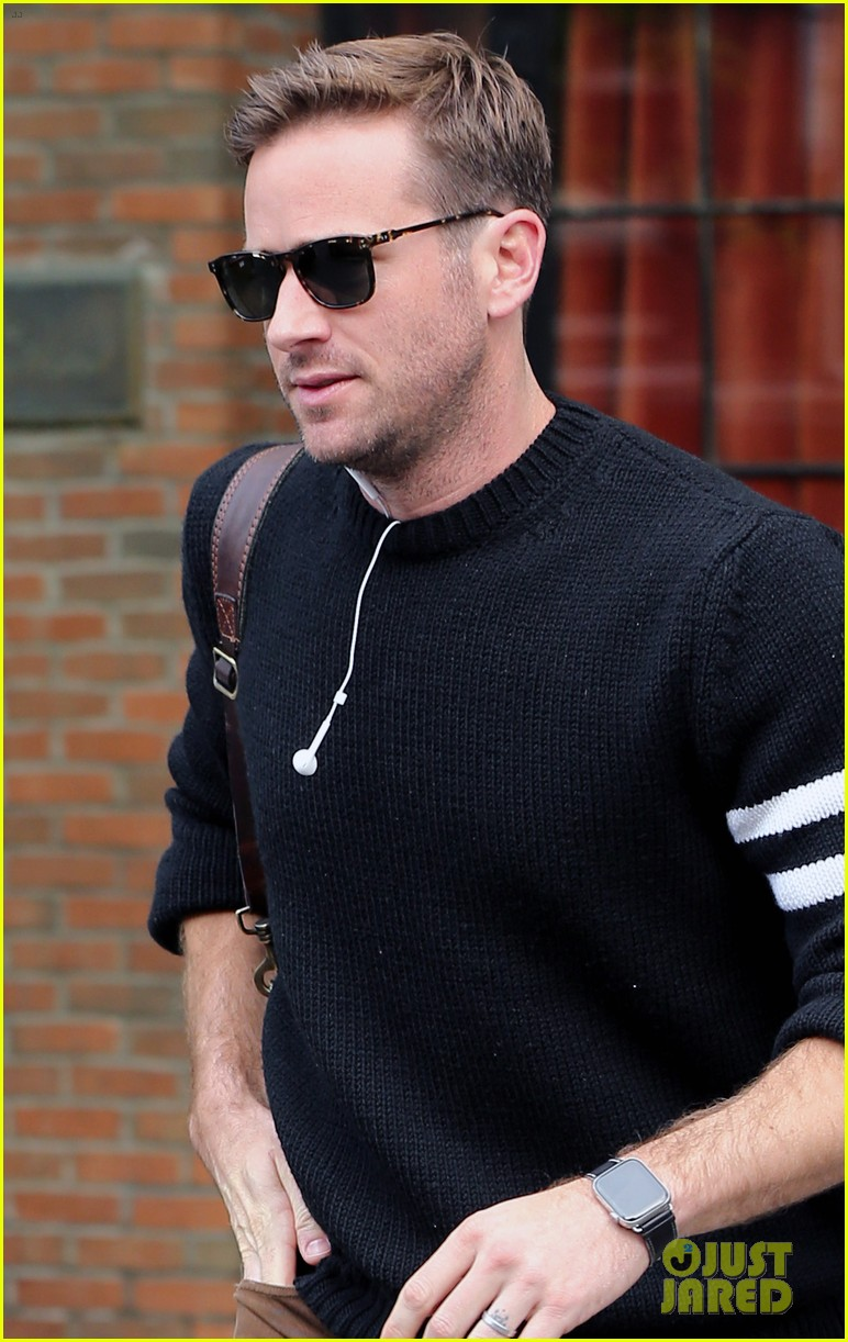 armie hammer steps out to run errands in nyc 02