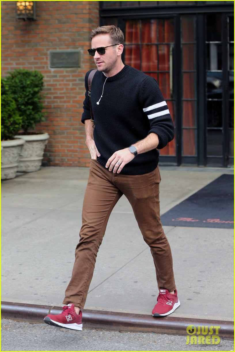 armie hammer steps out to run errands in nyc 05