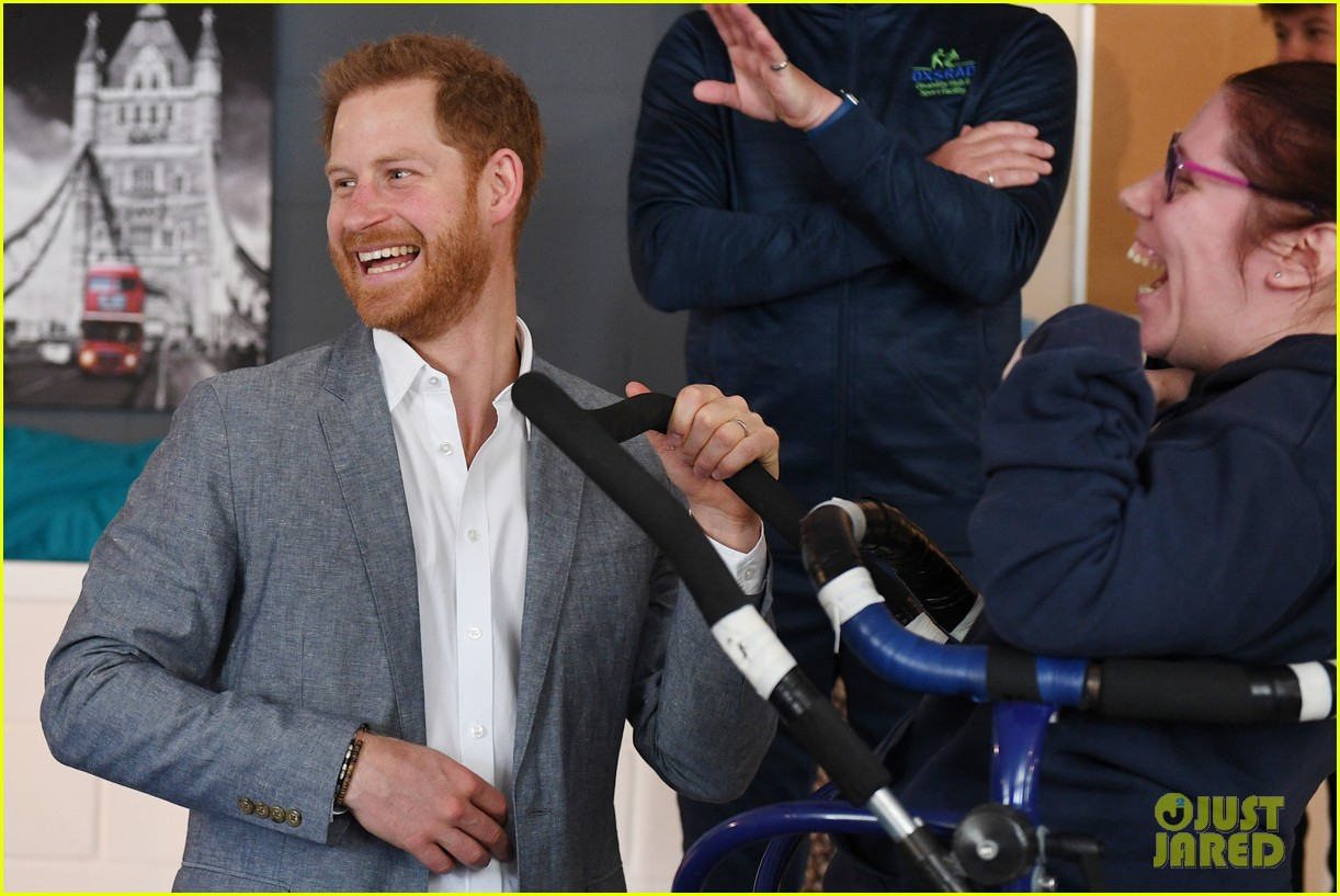 prince harry says he already cant imagine life without son archie 03