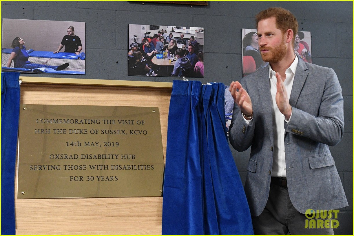 prince harry says he already cant imagine life without son archie 08