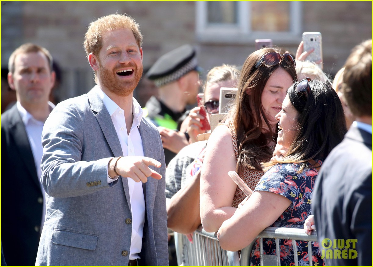 prince harry says he already cant imagine life without son archie 10