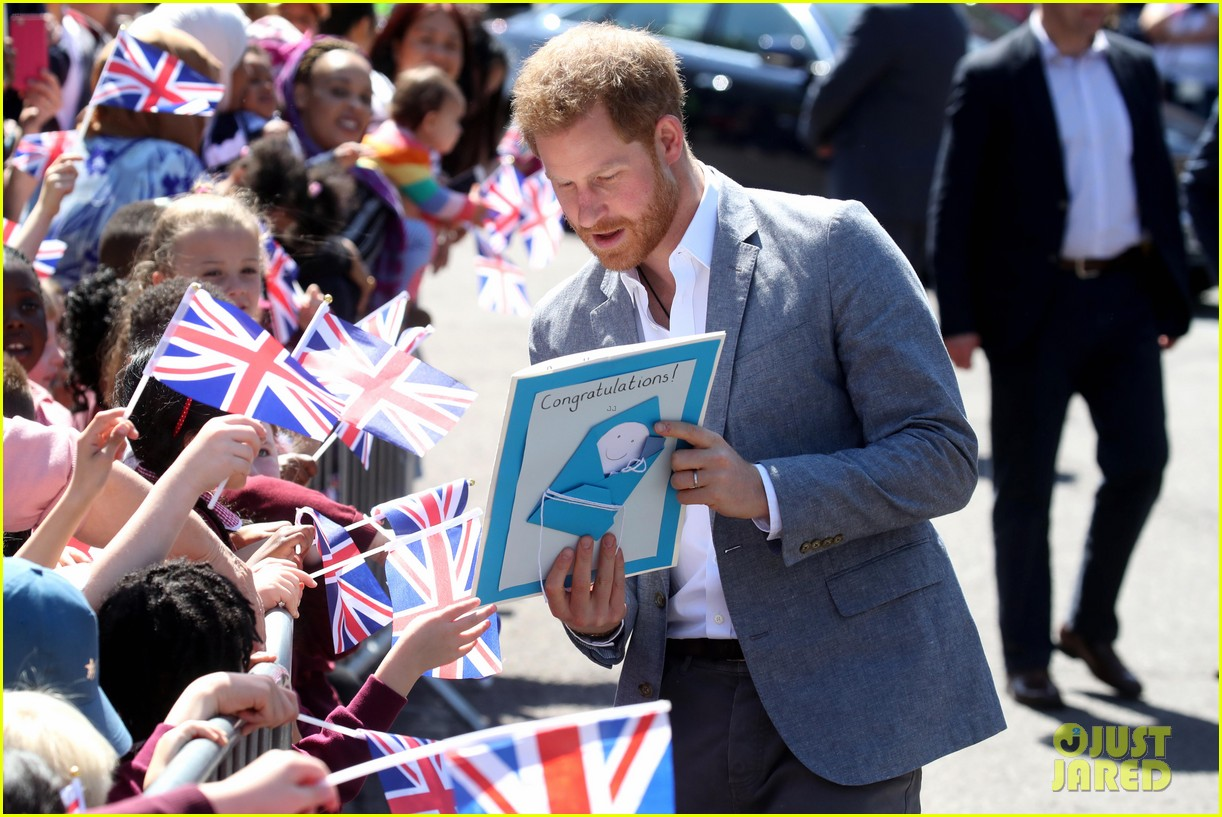 prince harry says he already cant imagine life without son archie 11