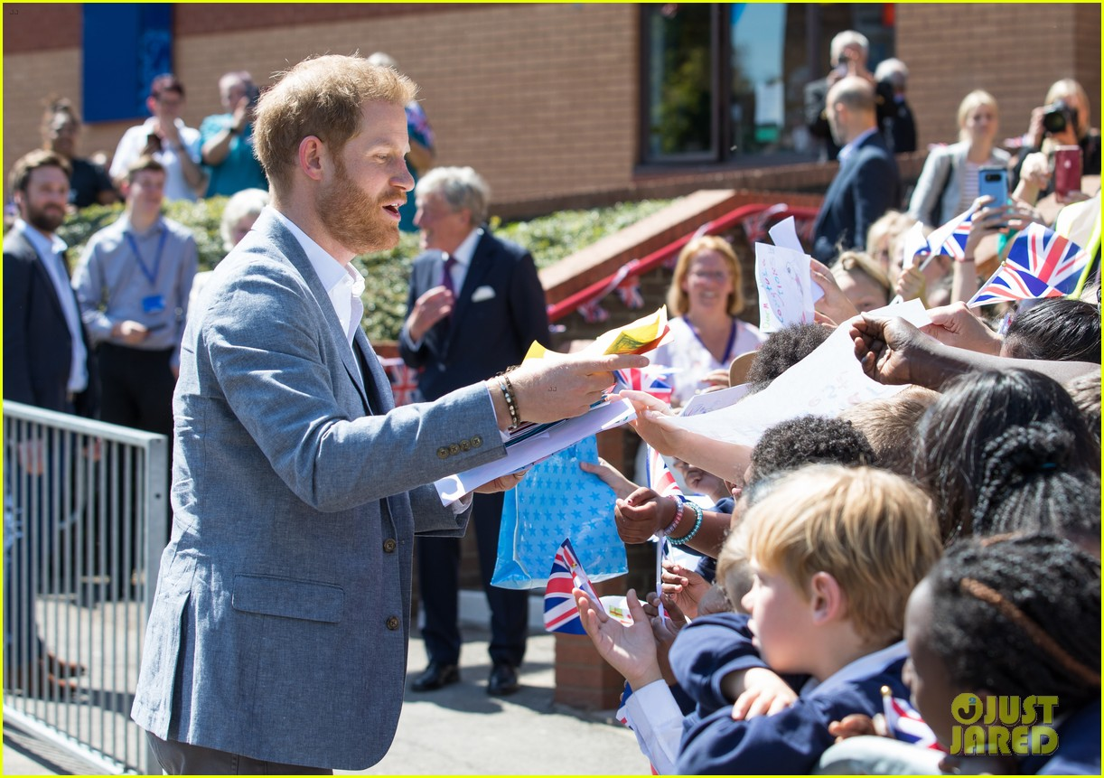 prince harry says he already cant imagine life without son archie 20