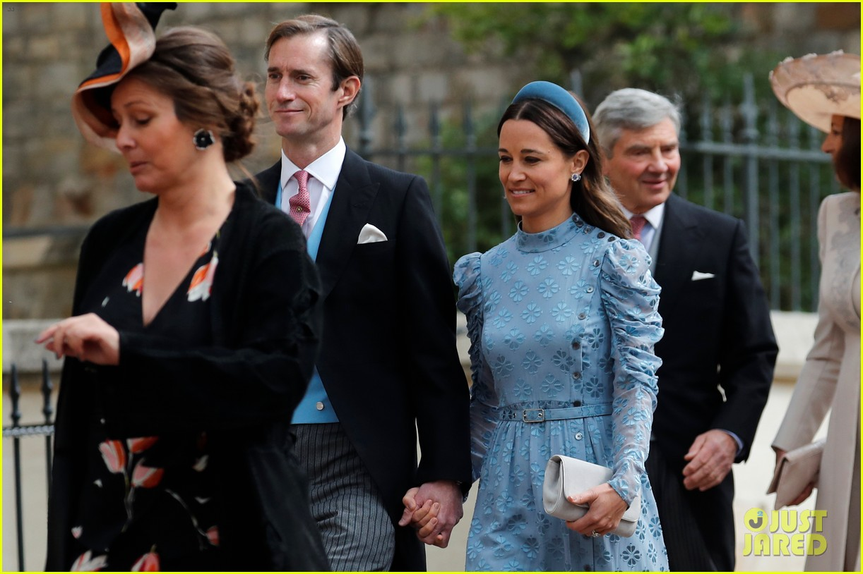 prince harry pippa middleton at gabriella windsor wedding 04
