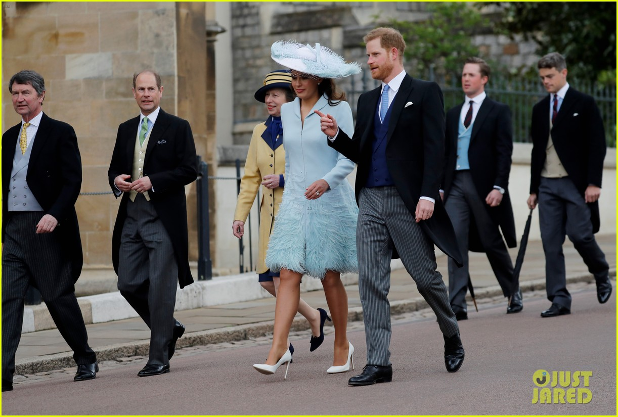 prince harry pippa middleton at gabriella windsor wedding 07