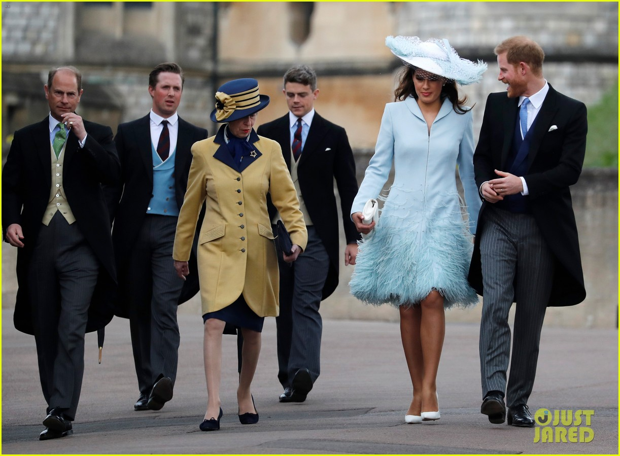 prince harry pippa middleton at gabriella windsor wedding 09