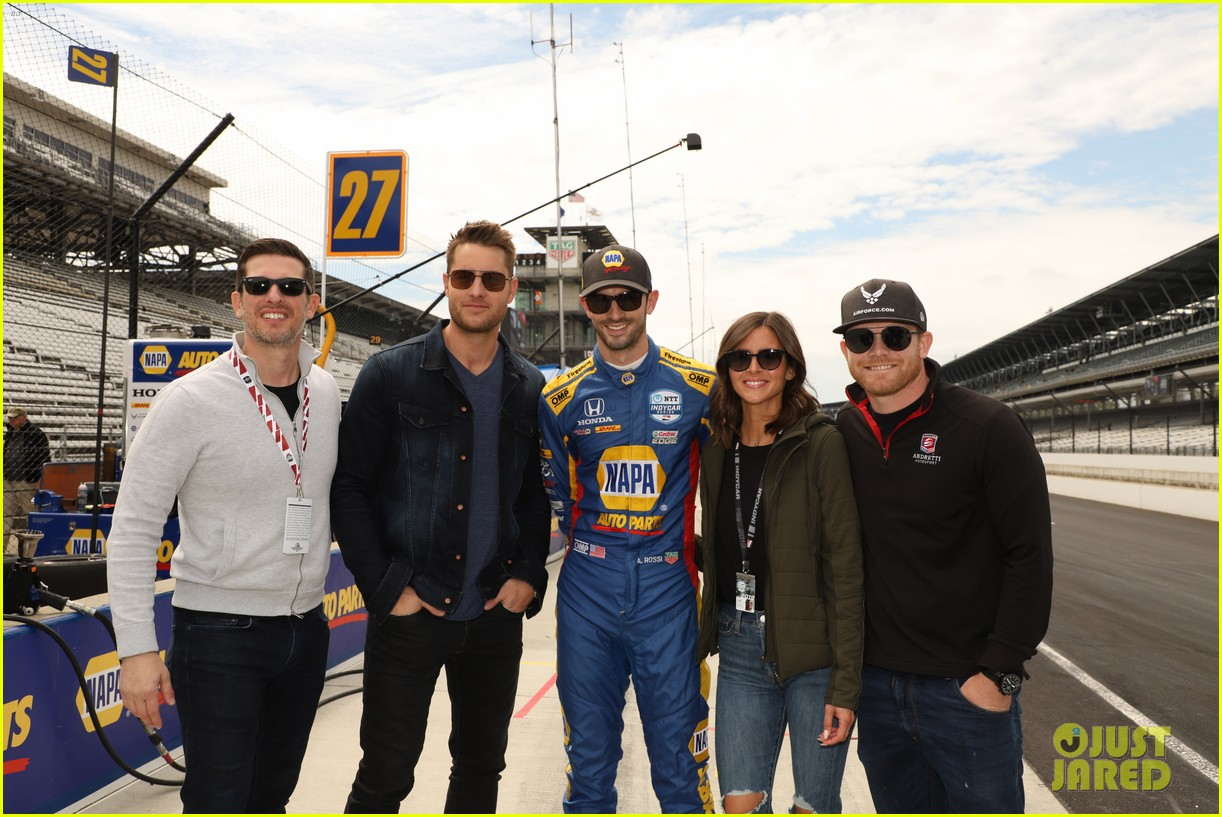 justin hartley serves as honorary starter at indycar grand prix 09