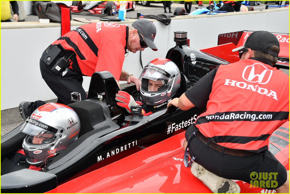 justin hartley serves as honorary starter at indycar grand prix 16