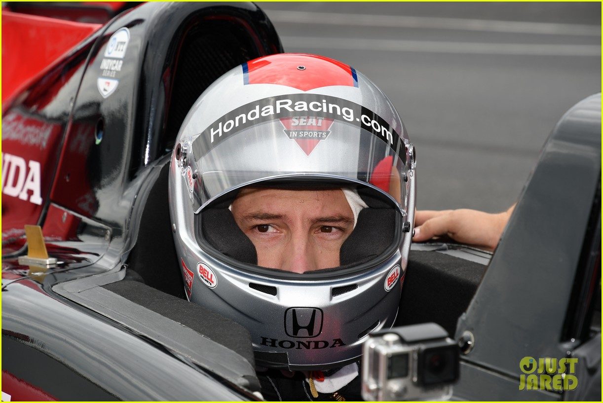 justin hartley serves as honorary starter at indycar grand prix 18