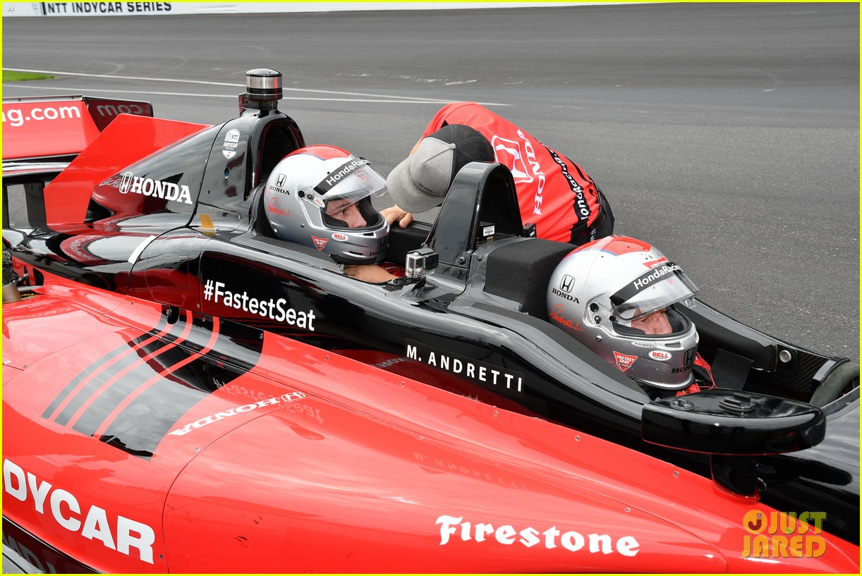 justin hartley serves as honorary starter at indycar grand prix 19