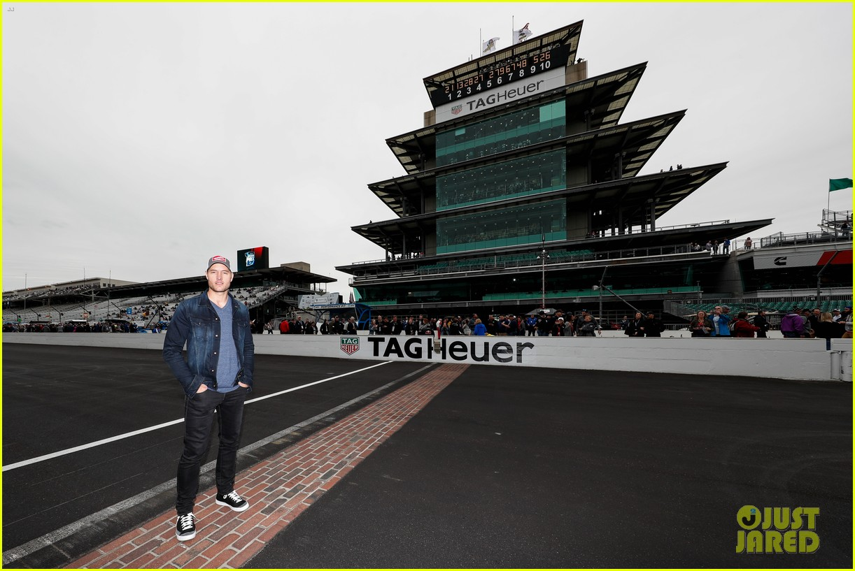 justin hartley serves as honorary starter at indycar grand prix 21