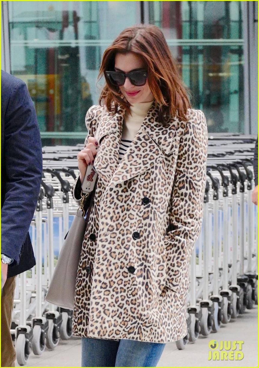 anne hathaway leopard coat london 01