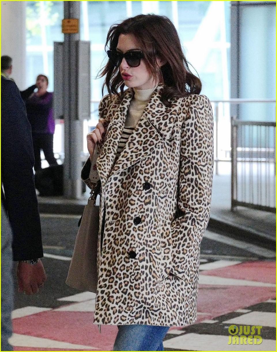 anne hathaway leopard coat london 05