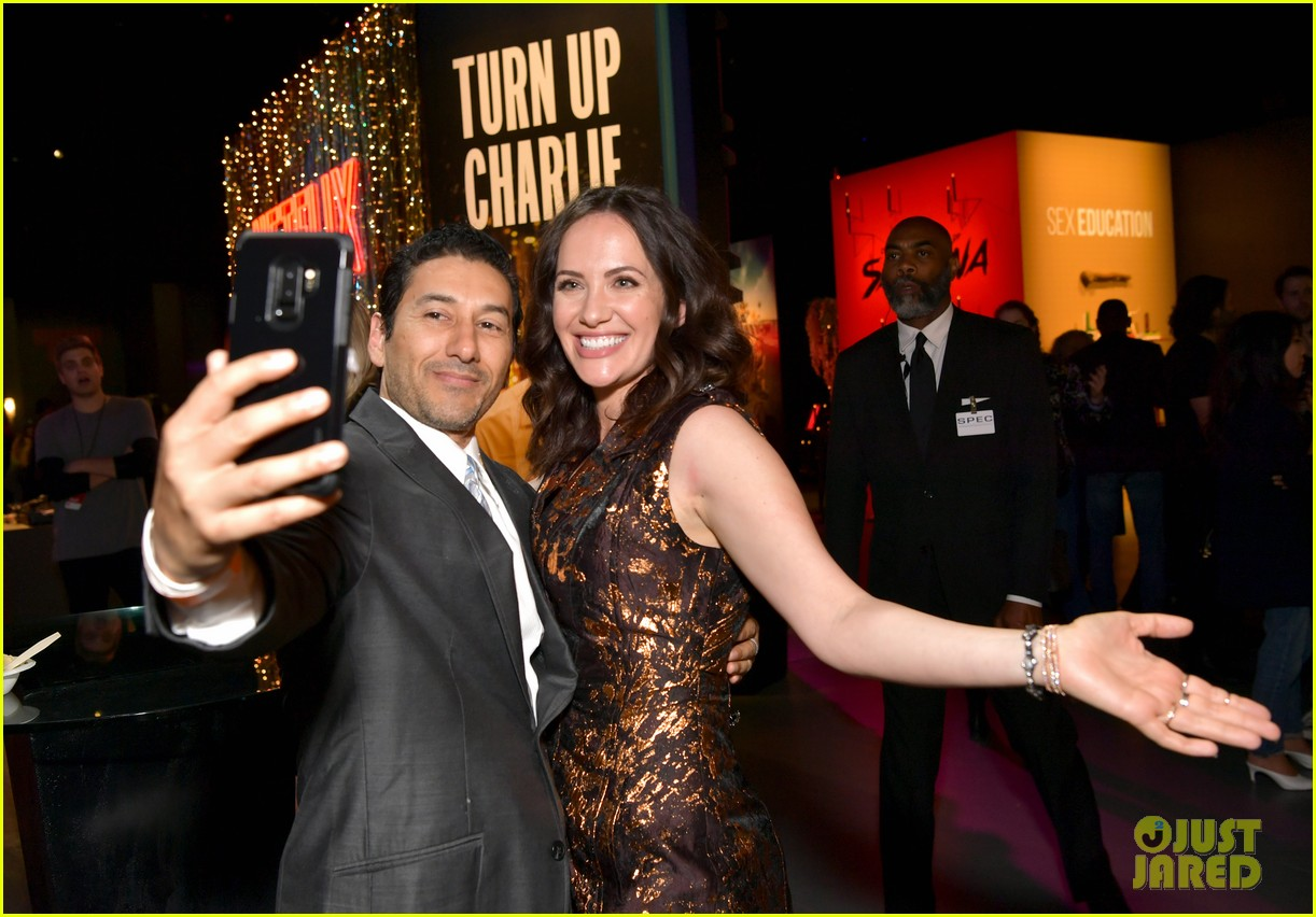 Carla Gugino Elizabeth Reaser Step Out For The Haunting Of Hill House Netflix Event Photo 4296674 Carla Gugino Elizabeth Reaser Henry Thomas Kate Siegel Oliver Jackson Cohen Timothy Hutton Victoria Pedretti