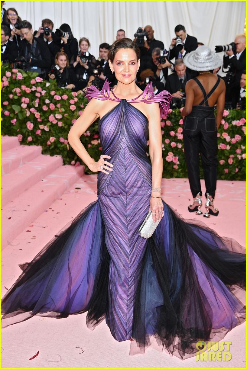 Katie Holmes Arrives At Met Gala 2019 With Jamie Foxx