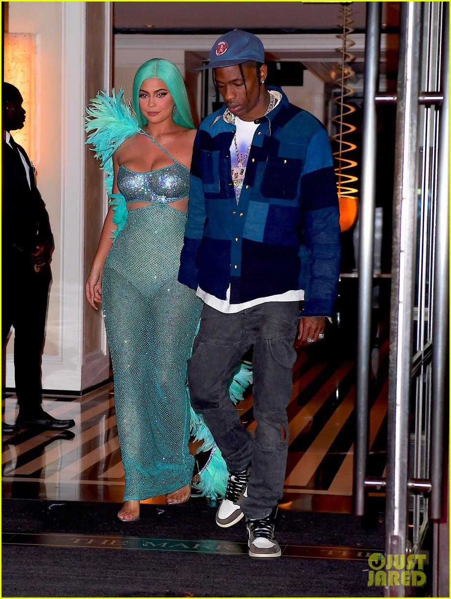 kendall and kylie jenner change outfits for met gala 2019 after party 034286202