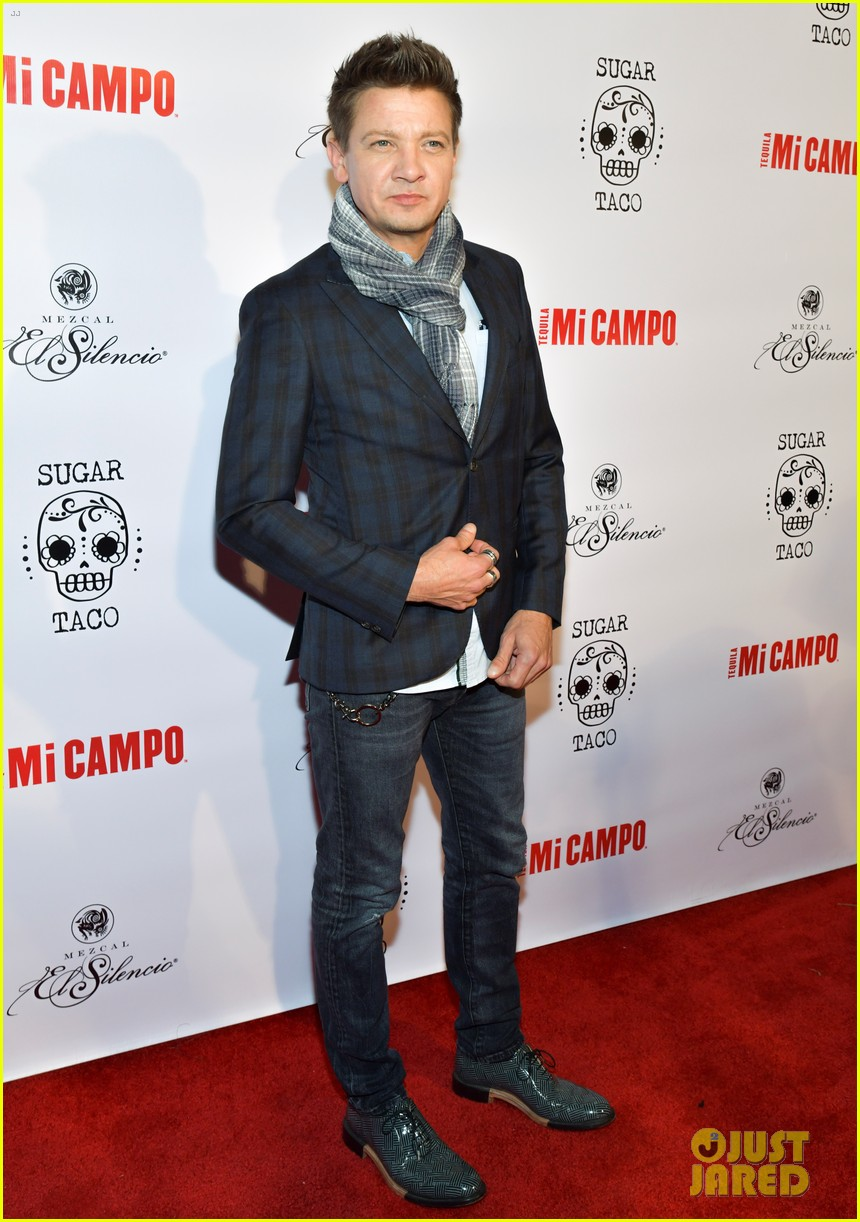 jeremy renner sugar taco opening party 014298078