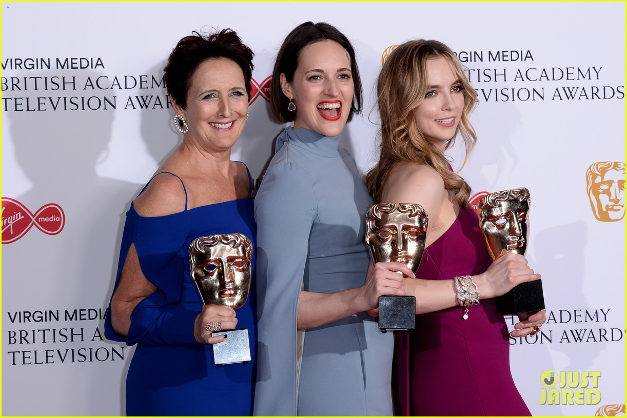 jodie comer benedict cumberbatch win big at baftas 2019 02