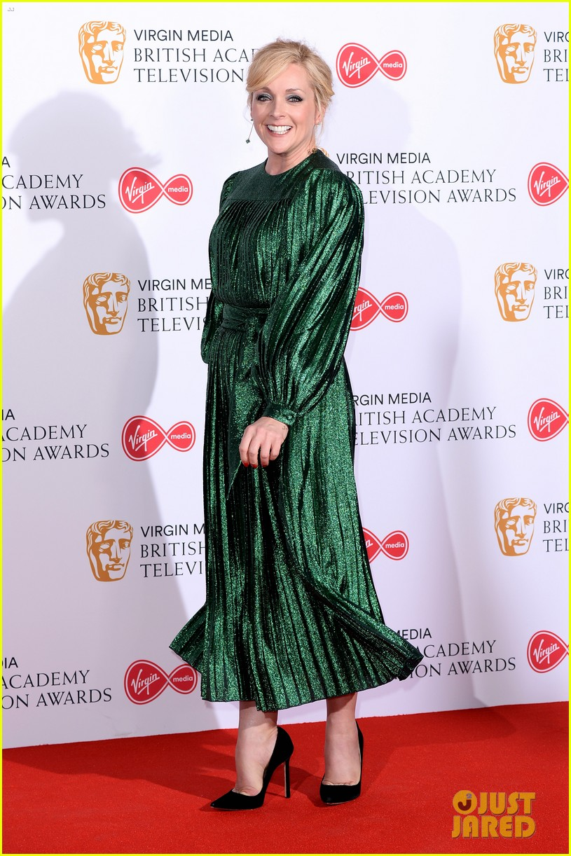 jodie comer benedict cumberbatch win big at baftas 2019 16