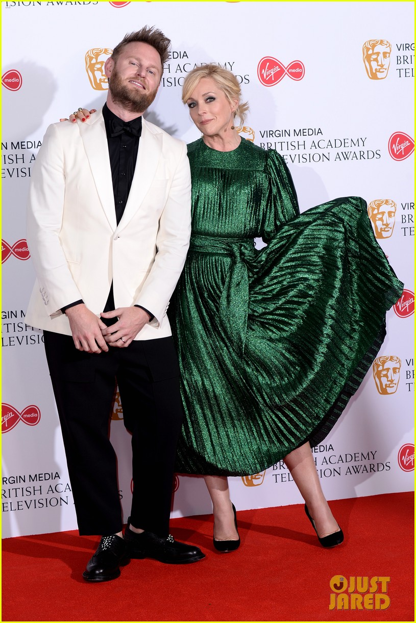 jodie comer benedict cumberbatch win big at baftas 2019 17