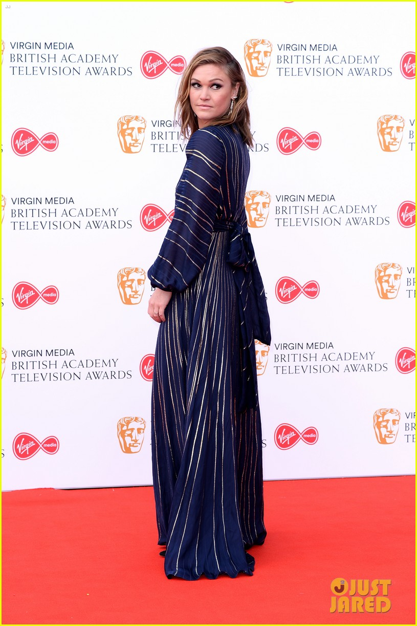 jodie comer benedict cumberbatch win big at baftas 2019 20