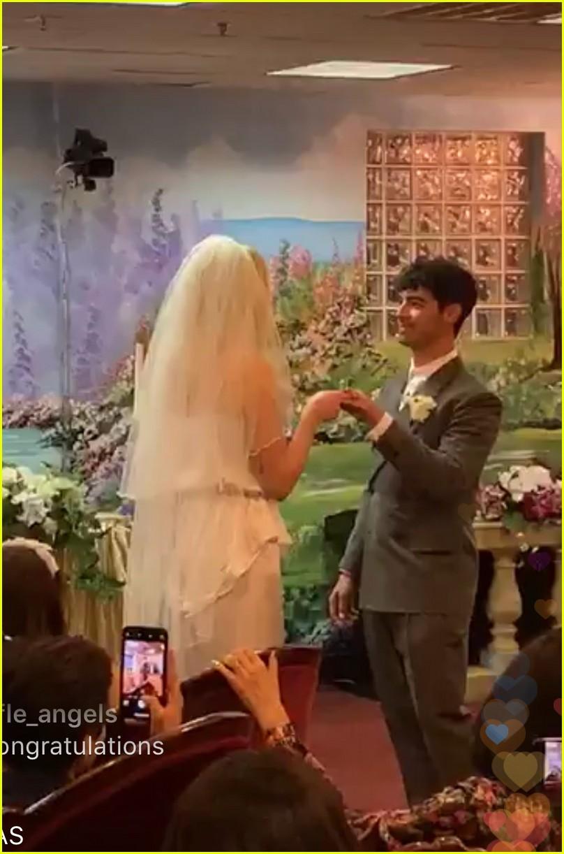 joe jonas sophie turner wedding 01