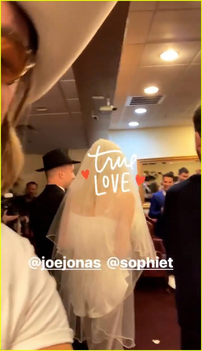 joe jonas sophie turner wedding 04
