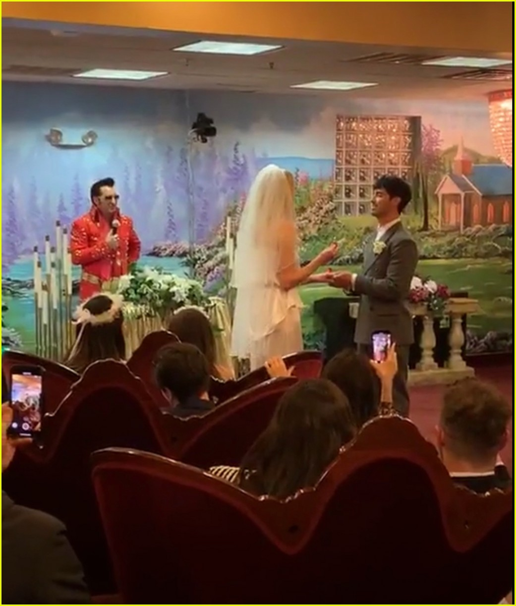 joe jonas sophie turner wedding 13