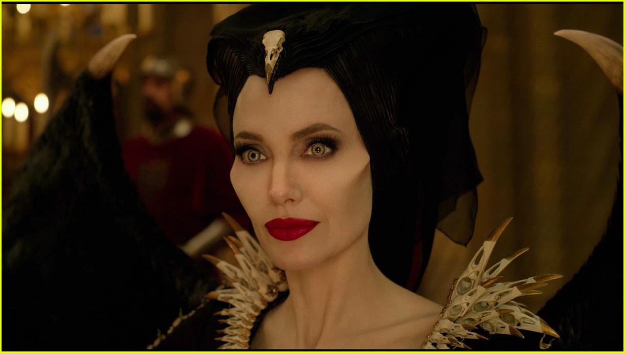 angelina jolie maleficent mistress of evil trailer 034290485